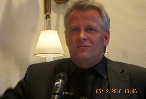 <b>Sören Mohr</b>, Geschäftsführer von New Communications – eine der führenden ... - soeren-mohr